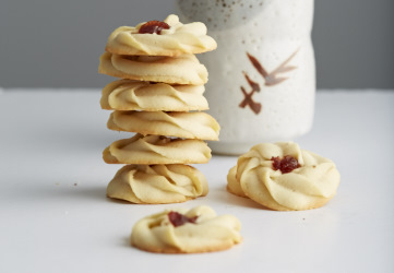 Shortbread Cookies with Jam