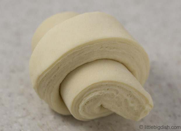 Tartine-Croissant-Cut-Roll-2