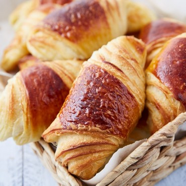 Tartine croissant recipe. These homemade croissants are one of the best croissants there are. They use sourdough starter which add deep flavor and amazing taste. Making these croissants takes a bit of time, but it's well worth it.