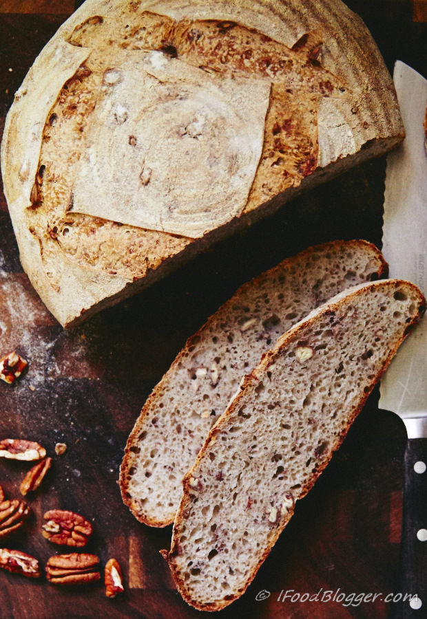 Pecan Rye Sourdough Bread - super easy recipe. 15 minutes to make, 30 minutes to bake.