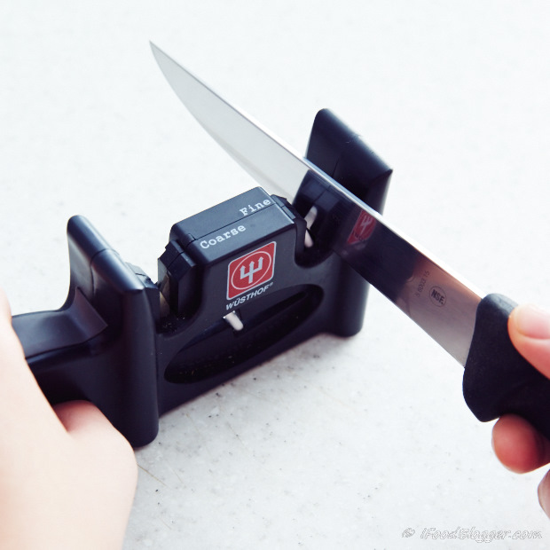 Learn how to sharpen a kitchen knife - handheld sharpeners