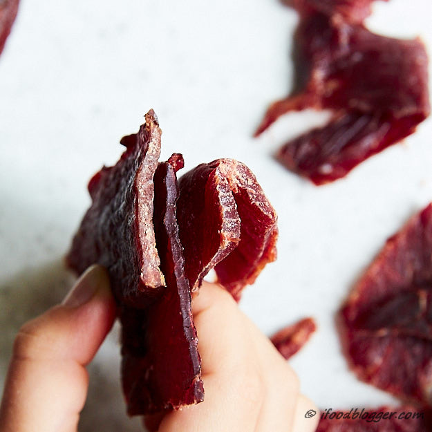 How to make traditional beef jerky - homemade jerky compare to Jack Links thickness