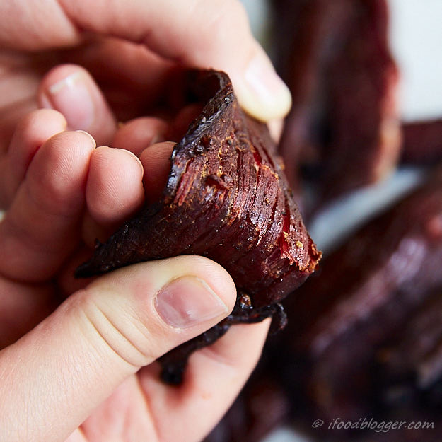 How to make beef jerky in the oven - Heated to 275F after drying. Bend test.