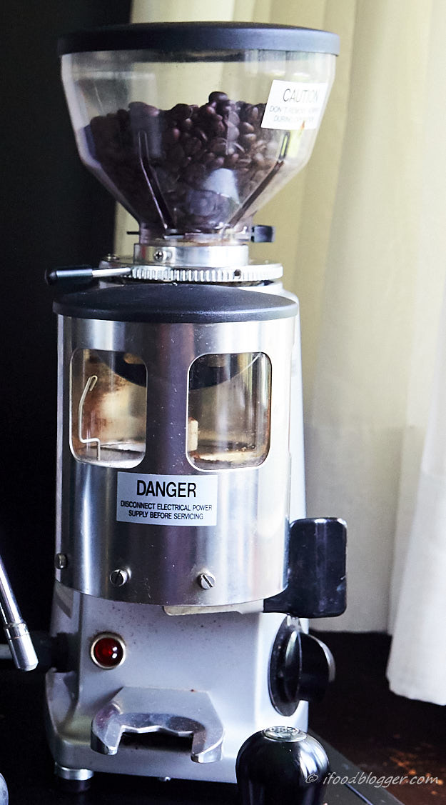 A comprehensive guide on how to make espresso at home like a pro. Homemade espresso will cost you 10 times less and will rival best espressos out there. Coffee grinder.