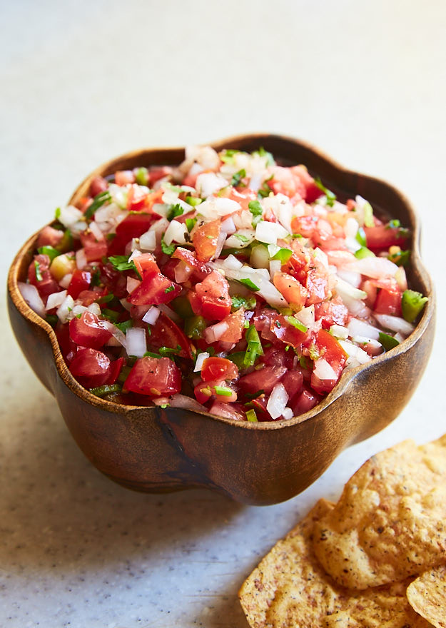 Fesh tomato salsa recipe made with fresh tomatoes, jalapeno, white onion, cilantro, and lime. Also called Pico de Gallo or Salsa Fresca.