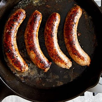 A step by step on how to cook brats on the stove. A simple yet very effective recipe that results in super flavorful and juicy bratwurst. | ifoodblogger.com