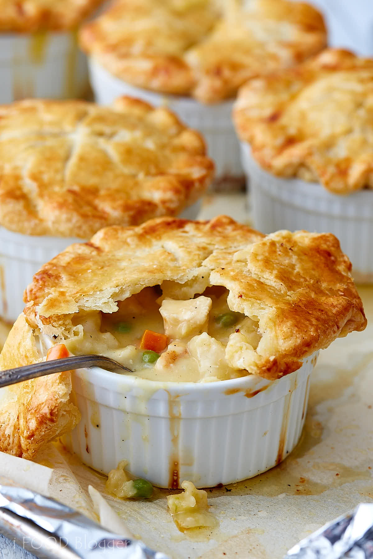 This is the ultimate homemade chicken pot pie recipe. The ingredients and the process are simple. Follow them and you will get one of the tastier pies ever. | ifoodblogger.com