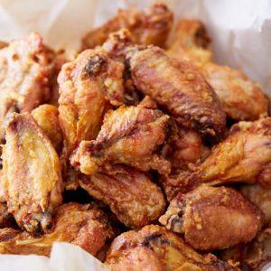 Extra Crispy Baked Chicken Wings I Food Blogger
