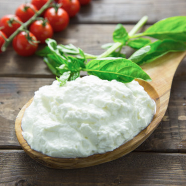 How to Make Ricotta Cheese (Creamy)