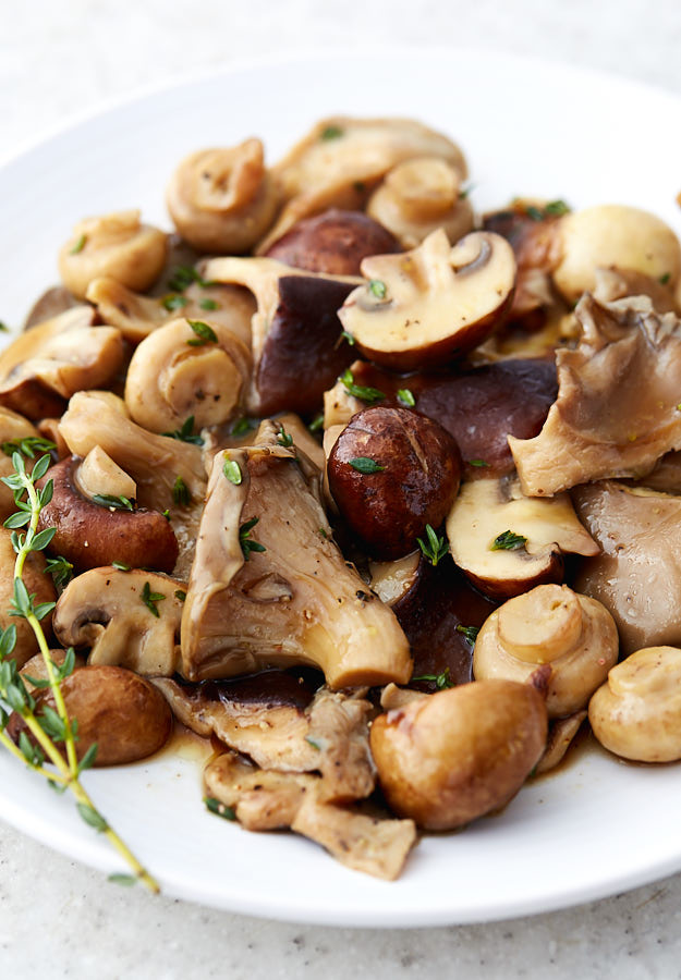 Very quick to prepare, these sous vide mushrooms are packed with flavor and are a pure delight. Excellent with steaks, scrambled eggs, sauces and more.