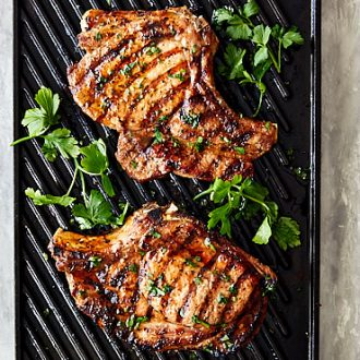 Broiled Pork Chops seasoned with homemade Creole spice mix, absolutely delightful. Done in just 10 minutes and taste like the they just came off a grill. | ifoodblogger.com