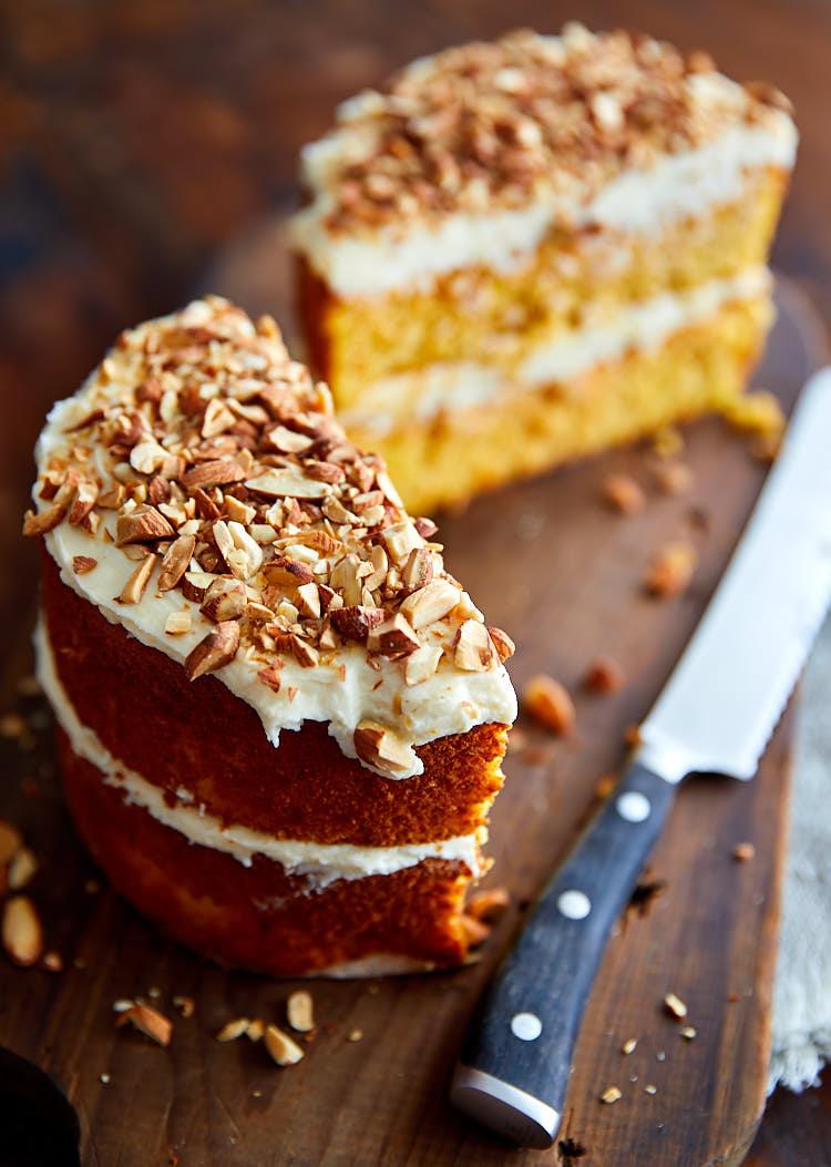 Light and Very Moist Flourless Carrot Cake i FOOD Blogger