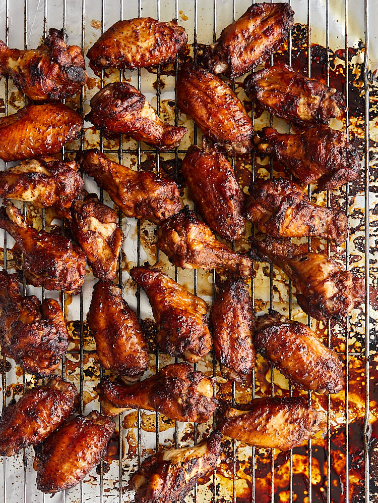 Perfectly Broiled Chicken Wings Recipe | ifoodblogger.com