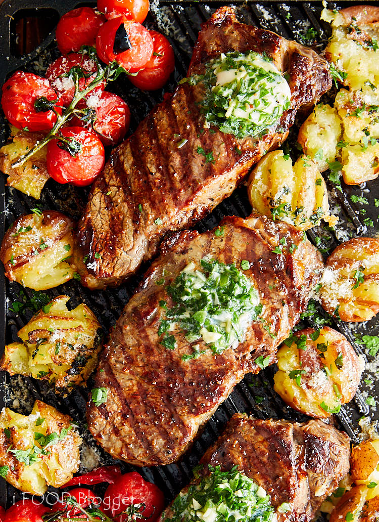 This is the best way to make broiled steak - simple, quick and reliable. The steak come out just like grilled, super flavorful and perfectly cooked. | ifoodblogger.com