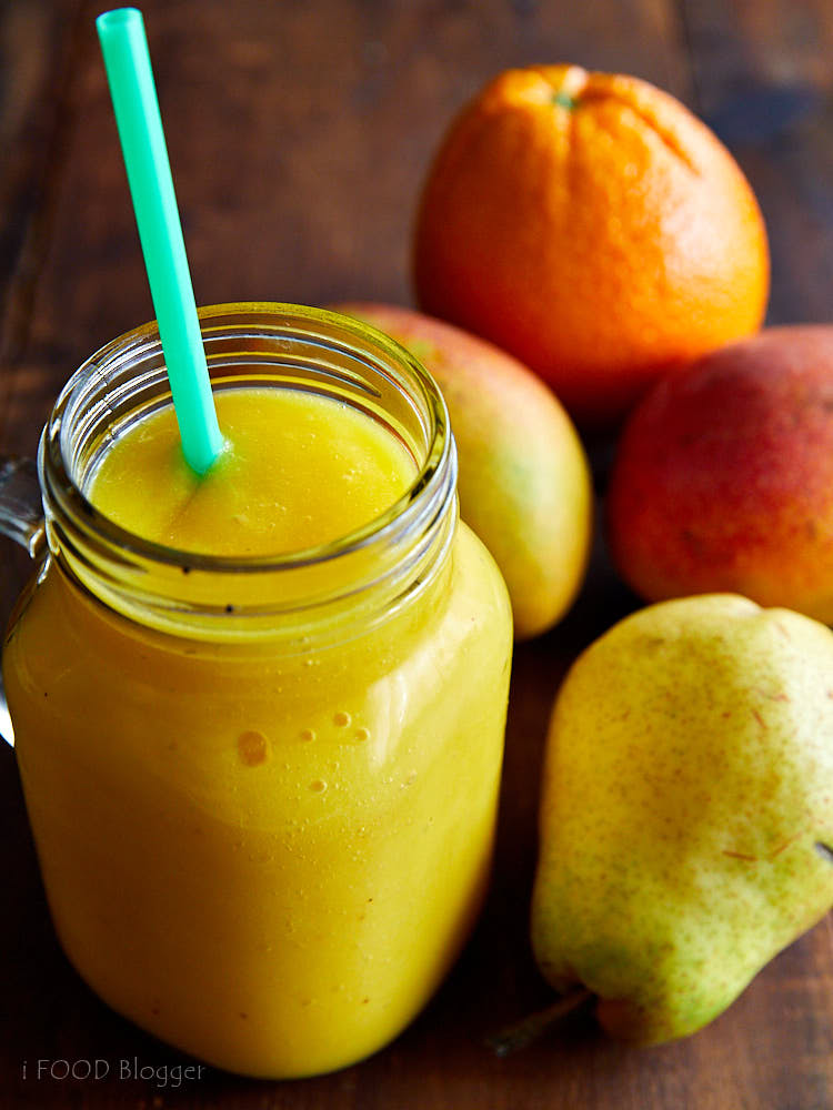 Mango, Orange and Pear Smoothie | ifoodblogger.com