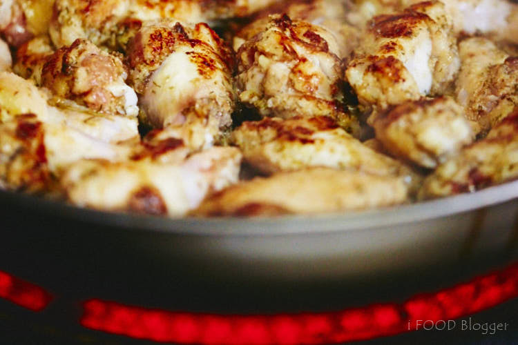 Reheat Chicken Wings in a Pan | ifoodblogger.com