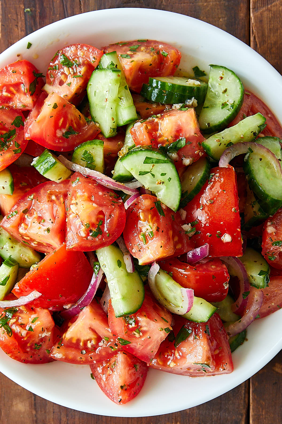 Juicy Tomato and Cucumber Salad | ifoodblogger.com