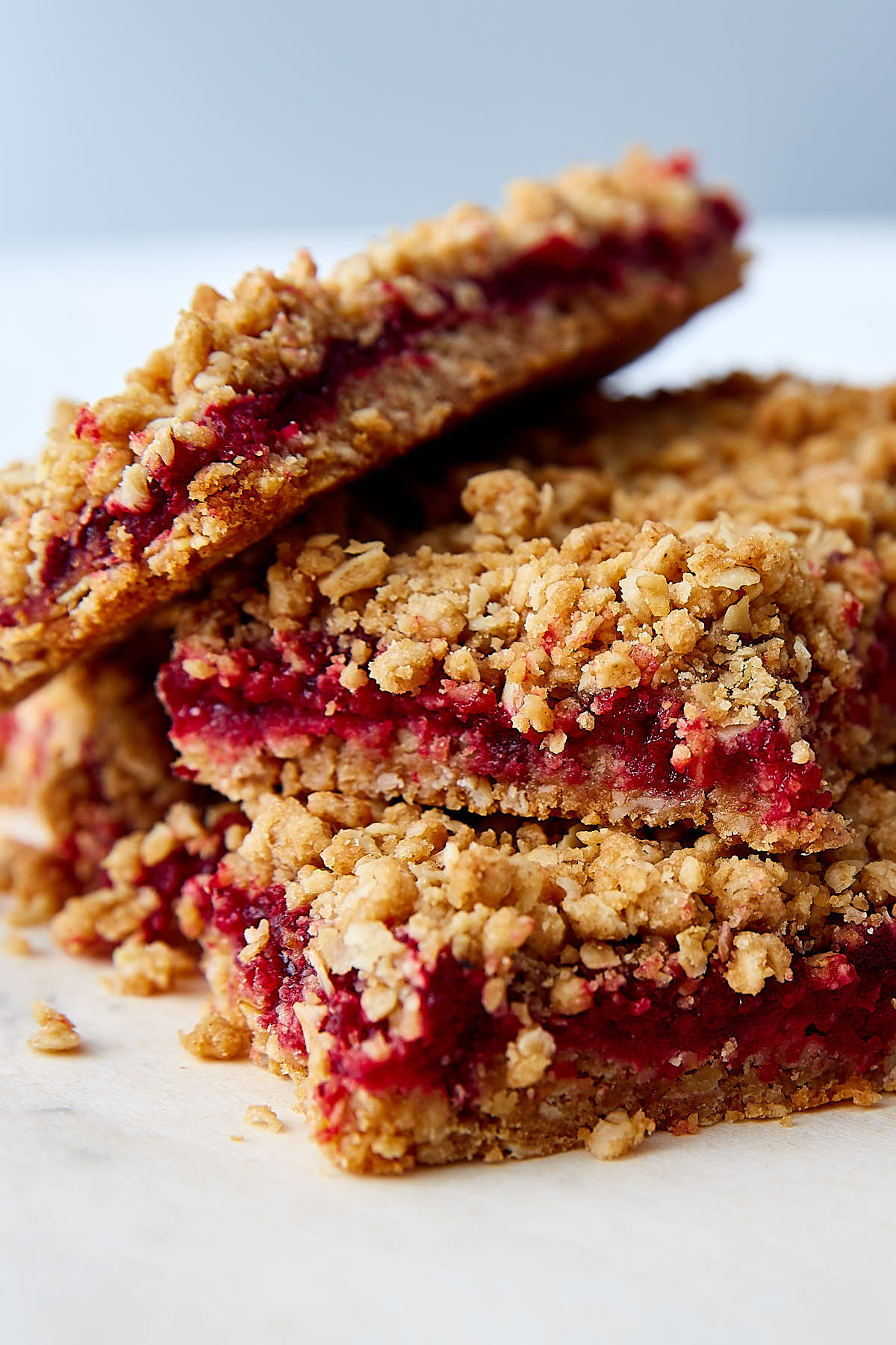Starbucks Michigan Cherry Oat Bar Copycat Recipe. This is the best version. Period. | ifoodblogger.com