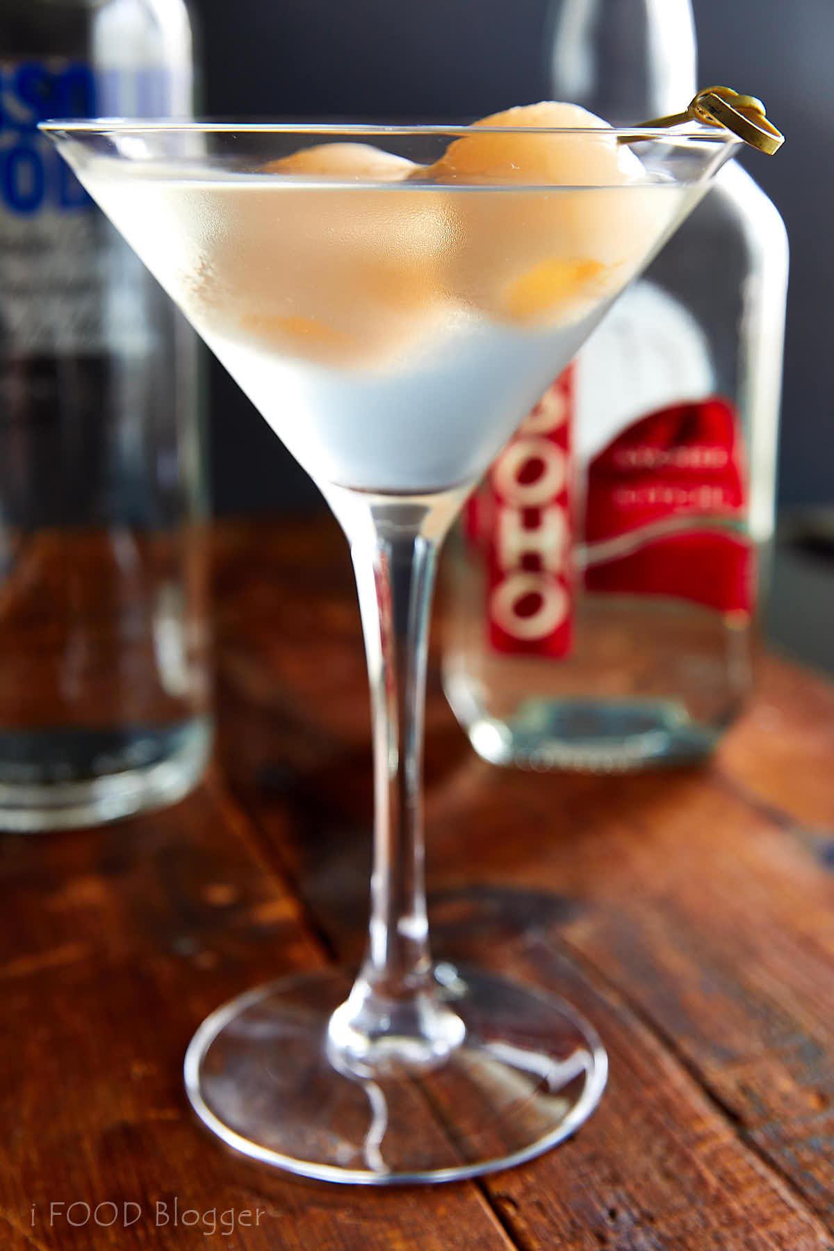 Lychee Martini Recipe | ifoodblogger.com