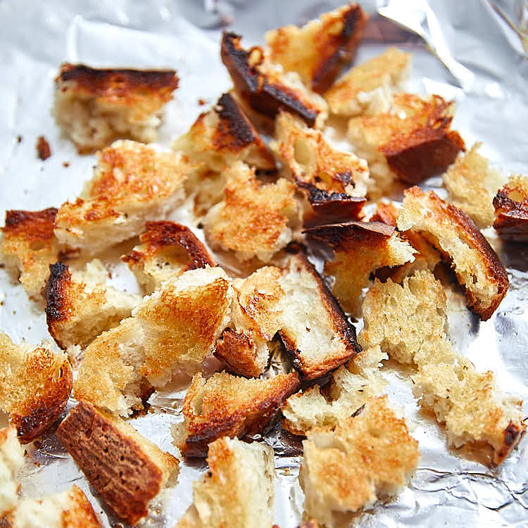 Homemade Croutons for chicken salad. | ifoodblogger.com