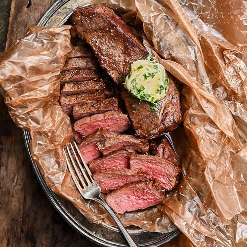 The best air fryer steak, cooked to perfection in 15 minutes. This steak is so easy to make and is so delicious that you will be making again and again. Perfect for low carb, Atkins and paleo diets.| ifoodblogger.com